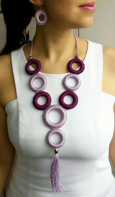 Crochet Butterfly Pattern, Crochet Headband Pattern, Crochet Motif, Crochet Patterns, Henna Patterns, Textile Jewelry, Fabric Jewelry, Beaded Jewelry Designs, Handmade Jewelry