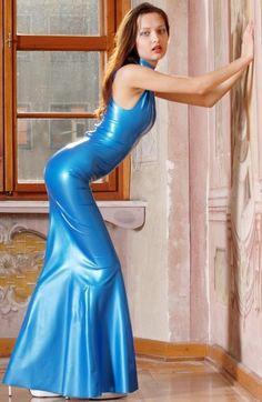 latex girls, latex catsuits girls from  latex blog.