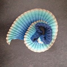 Ravelry: Moebius Ammonit pattern by Meret Buetzberger Hand Dyed Yarn, Beautiful Hands, Creative Business, Ravelry, Knitting, Pattern, How To Make, Wellness, Etsy