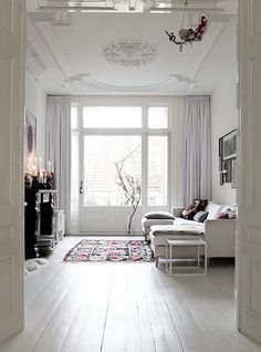 32 Ideas For Shabby Chic White Living Room Inspiration Home Living Room, My Ideal Home, Interior, Home, House Interior, Living Room Inspiration, Interior Design, Home And Living, Painted Wooden Floors