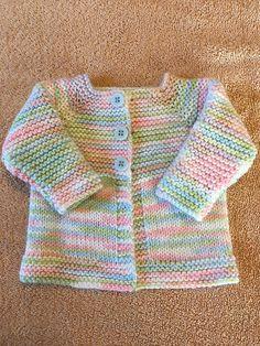 eff120e03c9384 Ravelry  Babbity Baby Jacket pattern by marianna mel Knitted Baby Cardigan