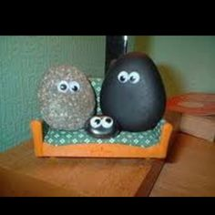 If you are looking for some rock and pebbles theme ideas for kids look no further. Here you will find rock themed arts and crafts, games played with pebbles Caillou Roche, Easy Business Ideas, Rock Family, Family Theme, Rubik's Cube, Rock And Pebbles, Anja Rubik, Pet Rocks, Christmas Toys