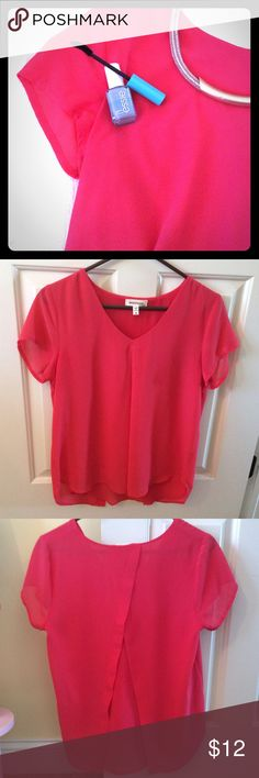 Monteau bright coral pleated top! Size medium!! Gorgeous bright coral top from Monteau!! Size medium! Short sleeved v-neck, with a front pleat and a tulip back. There is a lining inside the top, so it isn't too sheer. Excellent condition! Only worn a few times! I'm wearing the top in the last picture. Monteau Tops Blouses