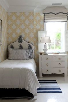 Sara Gilbane Interiors - bedrooms - yellow and white wallpaper, yellow and white geometric wallpaper, scalloped white bedding, scalloped whi. Home Bedroom, Girls Bedroom, Bedroom Decor, Dorm Room Layouts, Cozy Dorm Room, Childrens Room Decor, Kids Room Design, Guest Bedrooms, Guest Room
