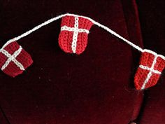 Ravelry: Hæklet flagranke pattern by Theresa Maria Jessing