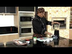 Utilizando a Churrasqueira de Embutir Fischer Ranch 5 espetos, o Chef's de Cozinha mostra como se preparar a verdadeira costelinha de porco.