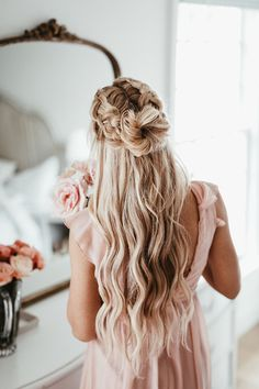 thin hairstyles medium thin hairstyles thin hairstyles 2016 hairstyles over 50 thin hairstyles face thin hairstyles hairstyles medium length thin hairstyles with bangs Ball Hairstyles, Hairstyles For Round Faces, Hairstyles With Bangs, Pretty Hairstyles, Braided Hairstyles, Long Hair Formal Hairstyles, Beach Hairstyles For Long Hair, Hairdos, Natural Hairstyles