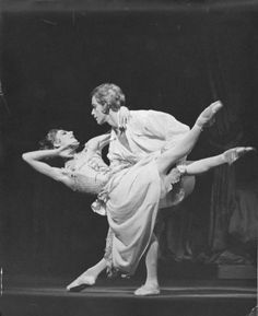 Antoinette Sibley and Anthony Dowell in Manon, 1974