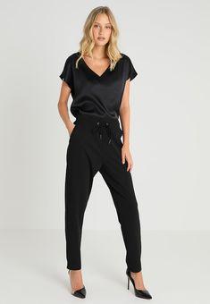 Soyaconcept Pantalones - black - Zalando.es Jumpsuit, Black, Dresses, Fashion, Feminine Fashion, Styling Tips, Drop Crotch, Latest Trends, Pants