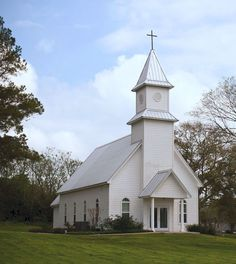 Bellville, Tx / Small Church, reminds me of my church in Fairview Community, Francisco, IN Old Country Churches, Old Churches, Scenic Photography, Night Photography, Photography Tips, Landscape Photography, Church Pictures, Take Me To Church, Cathedral Church