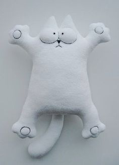 How to sew Simon's cat easily? Pattern with template and there is a translate… Fabric Toys, Fabric Crafts, Sewing Crafts, Simons Cat, Softies, Diy Craft Projects, Sewing Projects, Cat Pillow, Sewing Dolls