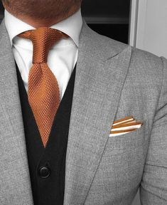 Sharp color combination #menssuitsblack #MensFashionSmart #MensFashionBusiness
