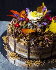 Raw vegan gaytime cheesecake