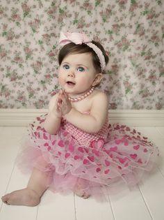 1 year old photos| south lyon photographer | children's photography |girl photos |  vintage studio  | spring photos  | indoor studio