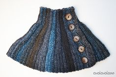 Two simple knit accessories: a knit capelet worked with short rows (with or without buttons) and a Western bandana-style scarf with loop and button closure. Knitted Capelet, Knitted Afghans, Bandana Styles, Scarf Styles, Knitting Short Rows, Maxi Cardigan, Bandana Scarf, Love Sewing, Knitting Accessories