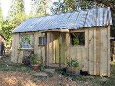 Oh For Me This Is The Life... Enjoy @ http://tinyhouseswoon.com/dell-artemis-farm/