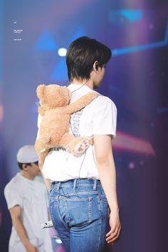 He owns my heart with his cuteness Baekhyun, Exo Kai, Rapper, Exo Concert, Exo Lockscreen, Kim Minseok, Exo Members, Kpop Exo, Fangirl