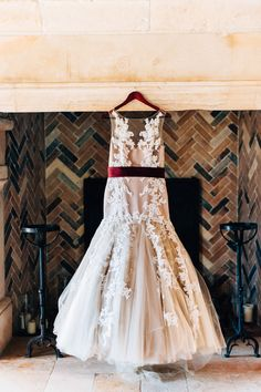 lace wedding gown, photo by Desiree Shuey Photography http://ruffledblog.com/california-elopement-inspired-by-provence #weddingdress #bridal #weddinggown