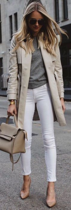 100 Popular Winter Outfits To Wear Now grey button coat with white denim jeans outfit The post 100 Popular Winter Outfits To Wear Now appeared first on Denim Diy. Mode Outfits, Jean Outfits, Casual Outfits, Fashion Outfits, Fashion Clothes, Casual Wear, Looks Chic, Looks Style, 50 Style