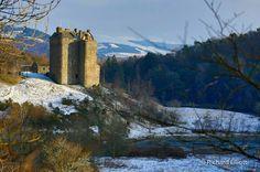 Neidpath Castle, Peebles, Scottish Borders, Scotland