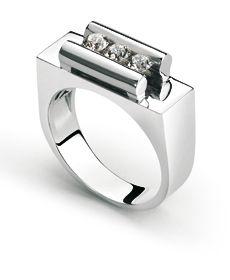 Jewels #clozeau  Bague Trilogie Clozeau en or blanc 18K et diamants