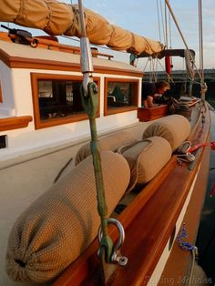 Sewing bolsters and fender covers for the boat - Cruiser Log World Cruising & Sailing Forums Make A Boat, Build Your Own Boat, Diy Boat, Sailboat Plans, Wood Boat Plans, Sailboat Living, Living On A Boat, Cool Boats, Small Boats