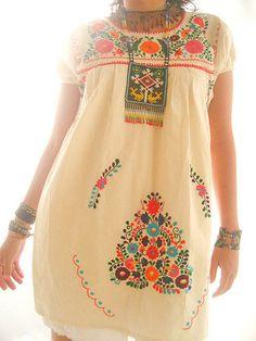 Vestido mexicano con estilo oaxaqueño / Oaxacan Mexican style dress