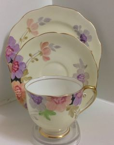 Roslyn English China Cup and Saucer Trio Tea Cup Set, Cup And Saucer Set, Tea Cup Saucer, Tea Sets, China Cups And Saucers, China Tea Cups, Teapots And Cups, Antique Tea Cups, Vintage Teacups