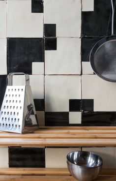 Hottest Free Ceramics tile decoration Popular Subtle Imperfections: Screen-Printed Ceramic Tiles from a Small-Batch London Company – Remodelis Kitchen Tiles, Kitchen Flooring, Ceramic Flooring, Cement Tiles, Kitchen Colors, Tile Countertops, Backsplash, Buy Tile, Geometric Tiles