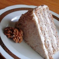 zsuzsa is in the kitchen: HUNGARIAN WALNUT CAKE – DIÓTORTA / this walnut cake pin goes to a nice web site with lots of info regarding Hungarian walnut cakes Hungarian Desserts, Hungarian Cake, Hungarian Cuisine, Hungarian Recipes, Hungarian Food, Hungarian Cookies, Austrian Desserts, Walnut Torte Recipe, Walnut Cake