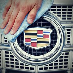 Check out these tips to help make your car sparkle! |onstarconnections.com | #cleaningtips #tips #onstar