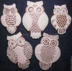Stephanie, love the piped lace look. Especially for an intricate owl! Cookie Decorating Icing, Cookie Frosting, Honey Cookies, Cute Cookies, Icing For Gingerbread Cookies, Owl Cakes, Edible Cookies, Wedding Cookies, Halloween Cookies
