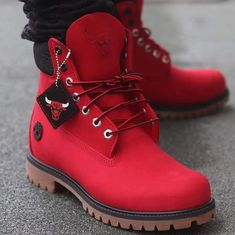 There are 2 tips to buy shoes, red, timberlands, boots, chicago bulls. Mens Boots Fashion, Sneakers Fashion, Fashion Shoes, Shoes Boots Timberland, Shoe Boots, Futuristic Shoes, Caterpillar Boots, Herren Outfit, Leather Loafer Shoes