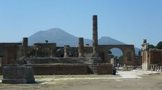 File:Ruins of Pompeii showing Mount Vesuvius.JPG