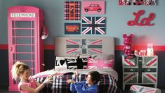 decoration chambre ado london London Phone Booth, Kids Bedroom, Bedroom Decor, Cute Bedroom Ideas, Teenage Room, Asian Decor, Home Upgrades, Dream Decor, My Room
