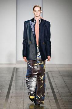 Mila Schön - look 29  LE TAILLEUR BIZARRE – Blazer in vicuna and leather doubled in silk velvet with trompe-l'œil trousers in silk duchesse.