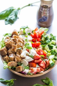Balsamic Chicken Caprese Salad - Juicy chicken coated in balsamic along with plump tomatoes, creamy mozzarella, and basil!! Easy, healthy, ready in 15 minutes! The caprese salad you'll make AGAIN and again!!