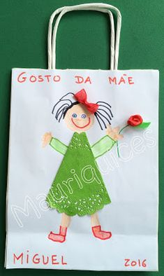 Mauriquices: Saquinho para o Dia da Mãe Diy And Crafts, Crafts For Kids, Arts And Crafts, Paper Crafts, Mather Day, Basket Decoration, Kids Church, Mothers Day Crafts, Coloring For Kids