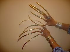 really long fingernails funny people with long nails in world funny images fun pictures bajiroo photos humor 2 Women With Long Nails You Never Seen Before Photos) Wide Nails, Long Fingernails, Woman With Longest Nails, Long Nail Beds, Gel Nails, Manicure, Nail Nail, Purple Lips, Acrylic Gel