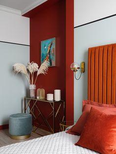 〚 Orange sofa and flowers on the walls: juicy apartment in Krasnoyarsk, Russia sqm) 〛 ◾ Photos ◾Ideas◾ Design My New Room, My Room, Home Interior Design, Interior Styling, Deco Orange, Orange Sofa, Architecture Restaurant, Suites, Colorful Interiors