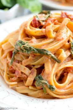 Cheesecake Factory Copycat: Sundried Tomato Fettuccine {Lightened Up} » Table for Two
