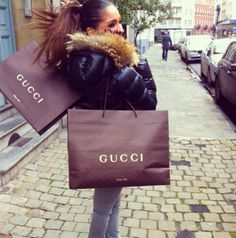 Me doing a little Christmas shopping on avenue Shopping Places, Girls Shopping, Go Shopping, Shopping Street, Shop Till You Drop, Luxe Life, Material Girls, Girls Dream, Retail Therapy