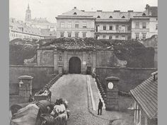 Jak vypadaly a kde je jim konec? Prague Cz, Heart Of Europe, History Photos, Beautiful Places In The World, Bucharest, Old Photos, Vintage Photos, More Pictures, Czech Republic
