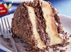 Receita de Pavê de brigadeiro, sorvete e Bis - · 500 ml de sorvete de chocolate branco, · 2 caixas de Bis®, · 1 lata de leite condensado, · 1 colher (sopa) de margarina, · 1/4 de xícara (chá) de leite, · 4 colheres (sopa) de chocolate, em pó