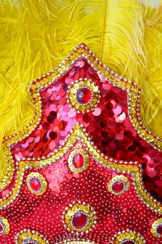 Brazilian samba headress. Vermelho e amarelo