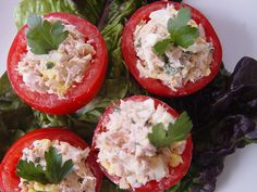 When you're watching your carb counts, bread can be a major culprit. But bread doesn't have to be the only thing to build a sandwich on. The next time you whip yourself up a light tuna salad, serve it on tomatoes or cucumbers. Tuna is packed with protein and iron, and the veggies will give the snack added vitamins and nutrients. Carbs per serving: 2 grams                  Image Source: Flickr user Rebecca T. Caro
