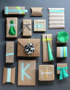 Gift Wrapping Inspiration : love the idea of a bunch of little fun wrapped presents. one for each year of age Present Wrapping, Creative Gift Wrapping, Creative Gifts, Unique Gifts, Simple Gifts, Wrapping Papers, Brown Paper Wrapping, Pretty Packaging, Gift Packaging