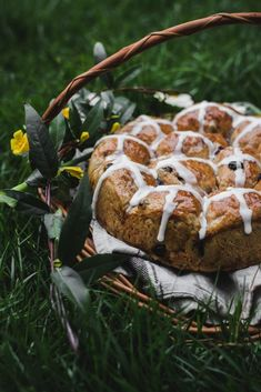 VEGAN Hot Cross Buns - a delicious plant-based version of the Good Friday staple - a spiced sweet bread with currants and raisins. Vegan Hot Cross Buns, Indian Food Recipes, Vegan Recipes, Indian Cookbook, Vegan Sweets, Vegan Desserts, Dessert Recipes, Fried Fish Recipes, Chutney Recipes