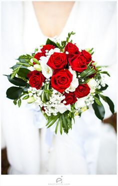 Red roses bouquet  Wedding Photography by www.emotionttl.com  #bouquet