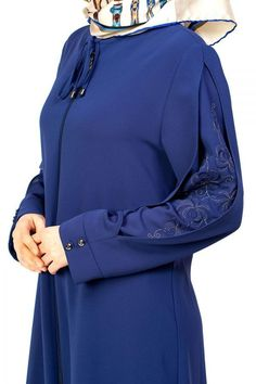 wp automatic <img> Sleeve Detailed Ferace with Embroidery # Detailed # - Street Hijab Fashion, Abaya Fashion, Muslim Fashion, Modest Dresses, Modest Outfits, Stylish Outfits, Fashion Outfits, Abaya Designs, Blouse Designs
